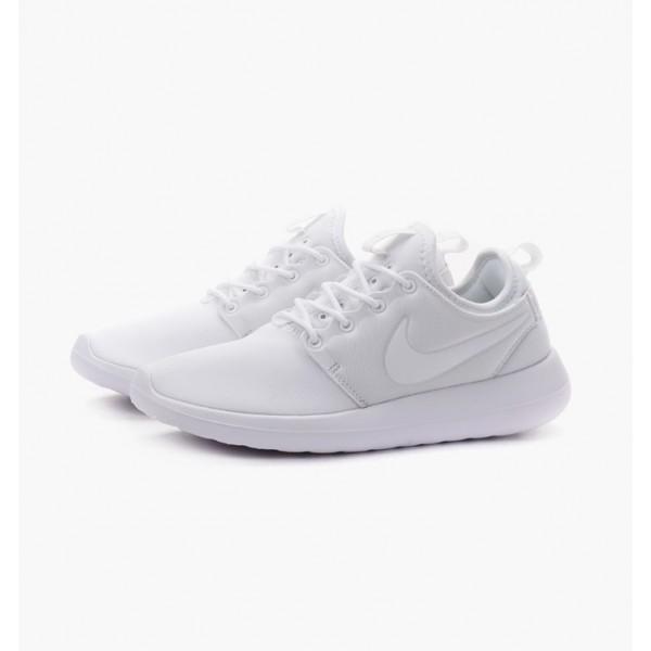 Nike Women Roshe Two White Pure Platinum Shoes 844931-100
