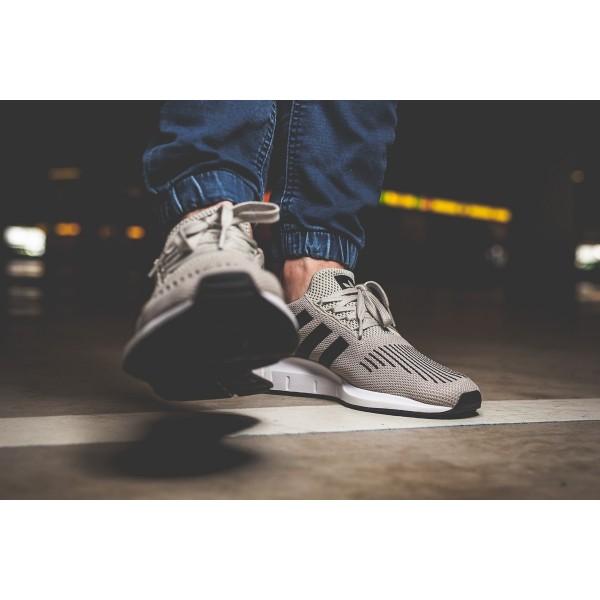 Adidas Men Originals Swift Run Sesame Black White Shoes CG4114