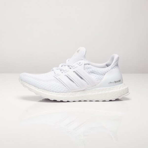 Adidas Women Ultra Boost White Running Shoes AQ5934