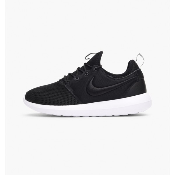 Nike Women Roshe Two Breathe Black White Blue Clas...