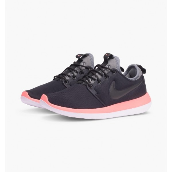 Nike Women Roshe Two Black White Shoes 844931-006