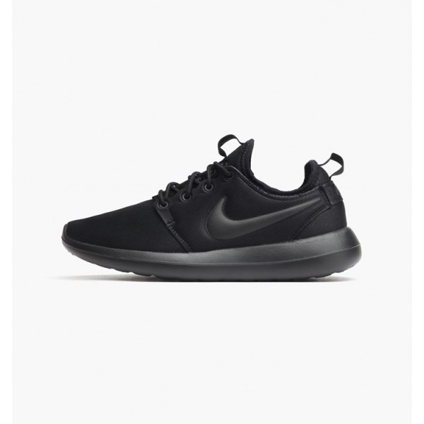 Nike Women Roshe Two Black Running Shoes 844931-00...