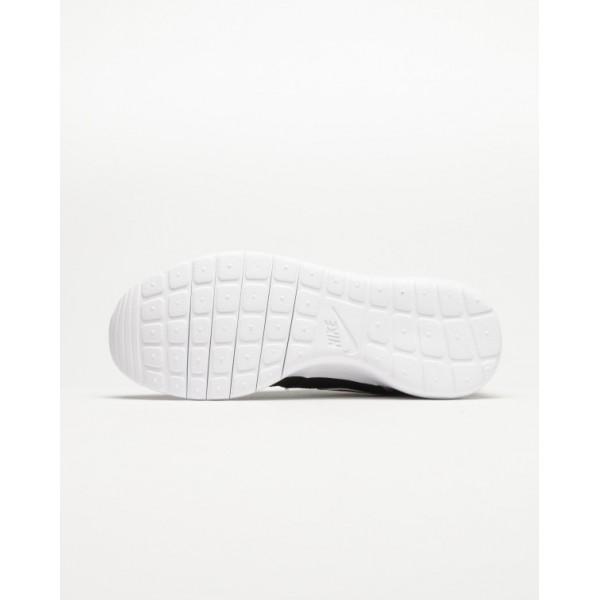 Nike Women Roshe One Print Black Shoes 677784-004
