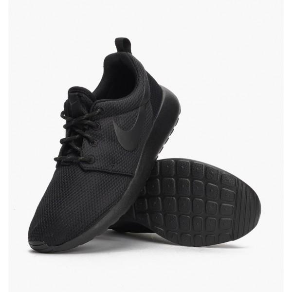 Nike Women Roshe One Black Running Shoes 511882-096