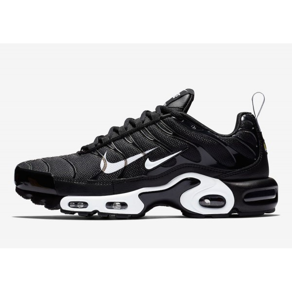 815994-004 Nike Air Max Plus Black White Men Shoes